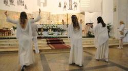 Nie przesadzajmy, u jezuitów w Łodzi nie było ŻADNEJ PROFANACJI - miniaturka