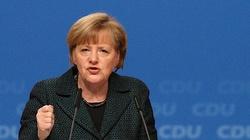 Kolejne kraje przeciwko mechanizmowi praworządności. Mięknie nawet Merkel - miniaturka