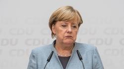 Dziwne zachowanie Merkel. Nie mogła opanować drżenia ciała - miniaturka