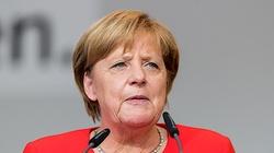 Merkel w Bundestagu: Szukamy sposobu na odblokowanie weta Polski i Węgier - miniaturka