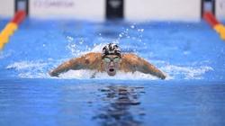 Amerykański pływak śrubuje niebotyczny rekord - miniaturka
