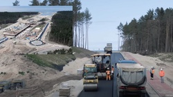 [Wideo] Pierwszy asfalt na Mierzei Wiślanej - miniaturka