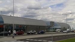 Ewakuacja lotniska w Modlinie, możliwy alarm bombowy - miniaturka