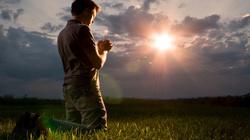 Bóg podnosi z dna! Mocne świadectwo nawróconego ateisty - miniaturka