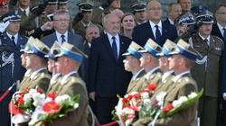 Macierewicz: Żołnierz ma bronić całego narodu - miniaturka