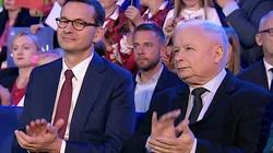 Sondaż: PiS bezkonkurencyjny. Start ugrupowania Hołowni bez znaczenia dla partii Kaczyńskiego - miniaturka