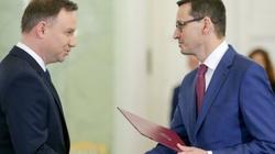 Prezydent i premier wciąż z ogromnym zaufaniem Polaków. Schetyna... NA DNIE!!! - miniaturka