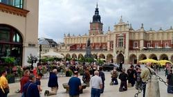 Męski Różaniec przeszedł ulicami Krakowa [GALERIA] - miniaturka