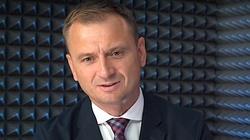 Juszczyszyn z mniejszą pensją, Nitras proponuje zrzutkę. Celna riposta posła PiS i internautów! - miniaturka