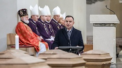 Prezydent Andrzej Duda w Wilnie: Stajemy tu, aby uczcić ofiarę naszych poprzedników - miniaturka