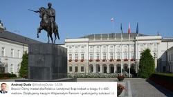 NASZ KOMENTARZ: Pałac Prezydencki odcięty od świata - miniaturka