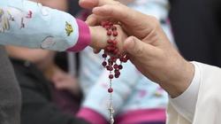 Papież: wyłączmy telewizor, odłóżmy komórki i podłączmy się do Ewangelii - miniaturka