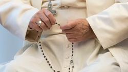 Papież: odmawiajmy różaniec, aby stawić czoła pandemii - miniaturka