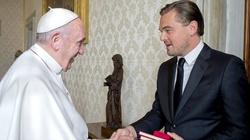 Niezwykły prezent dla papieża od DiCaprio (WIDEO) - miniaturka