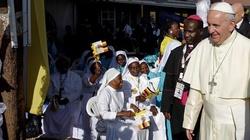 Franciszek w Afryce przypomina o ubogich - miniaturka