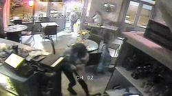 Zobacz jak wyglądał atak islamisty na paryską restaurację FILM! - miniaturka