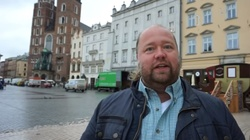 Amerykanin na wakacjach w Polsce zachodzi do Kościoła i... - miniaturka