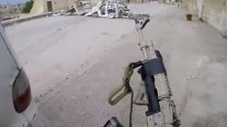 Polak strzela do ISIS, śpiewając 'Orła cień' - miniaturka