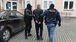 """Podwójne zabójstwo sprzed 26 lat rozwikłane przez policjantów z mazowieckiego """"Archiwum X"""" - miniaturka"""