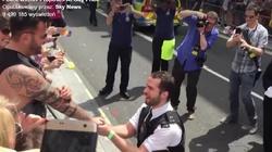 Londyn: Gejowskie oświadczyny z oficjalną policyjną pompą - miniaturka