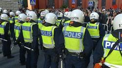 Policja ostrzega Szwedki, by nie wychodziły po zmroku - miniaturka