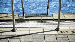 Niemcy: Imigranci AWANTURUJĄ się i nagabują kobiety na basenach!!! - miniaturka