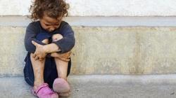 """Prawie milion polskich dzieci żyje w biedzie. PO tylko """"buczy"""" - miniaturka"""