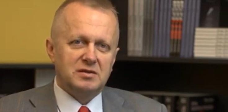 Prof. Ryba o próbie wywołania zamieszek w Polsce: ''Oni mają chyba jakieś zlecenie zewnętrzne, żeby robić to szybko i robią to za szybko'' - zdjęcie