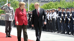 Putin jedzie do Berlina. Ważą się losy Ukrainy i Syrii - miniaturka