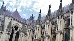Benedykt XVI: Gotycka katedra - Biblia z kamienia - miniaturka