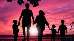 Jak wiara rodziców wpływa na wiarę dzieci? Ks. Sławomir Kostrzewa - miniaturka