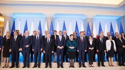 Kiedy poznamy nazwiska nowych ministrów? Na Nowogrodzkiej trwa dyskusja - miniaturka