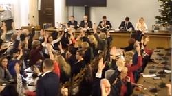 Nagranie z Sali Kolumnowej Sejmu opublikowane w sieci - miniaturka