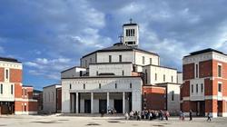 Jezus pragnie, by Kościół wychodził ku Światu. Msza Święta dla osób duchownych w Sanktuarium św. Jana Pawła II - miniaturka