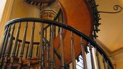 Wyjątkowe schody, których autorem jest sam Św. Józef! - miniaturka