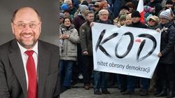 UE nagradza KOD, a Schulz dostaje medal za poznański Czerwiec '56... - miniaturka