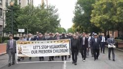 ,,Aborcja to też sprawa mężczyzn!''. Mężczyźni przeszli ulicami Waszyngtonu  - miniaturka