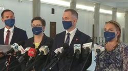 Kampania nienawiści wobec prof. Czarnka. ,,Homofob'', ,,tchórz'', ,,najgorszy minister'' - miniaturka