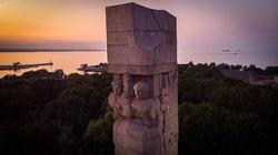 Sensacyjne odkrycie na Westerplatte. W trumnie polskiego bohatera szczątki… niemieckiego żołnierza  - miniaturka