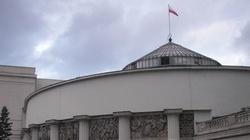 Mężczyzna podpalił się przed Sejmem - miniaturka