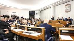 Polska się nie cofa. Senat przyjął ustawę o IPN bez poprawek - miniaturka
