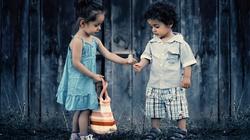 Biskupi: My wszyscy jesteśmy odpowiedzialni przed Bogiem za rozwój dzieci! - miniaturka