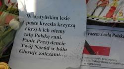 Wspomnienie Joachima Brudzińskiego: Ciało prezydenta leżało na czarnej folii, folia leżała w błocie - miniaturka