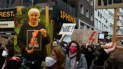 """Skandal! Niemiecka polityk z plakatem """"To jest wojna"""". Będzie reakcja MSZ - miniaturka"""