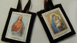 Szkaplerz karmelitański- kto nosi go pobożnie, nie zazna po śmierci ognia piekielnego!!! - miniaturka
