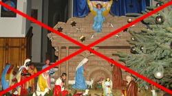 Oto i laicka Francja. Wyrzucili Chrystusa z szopki... Ale burki im nie przeszkadzają! - miniaturka
