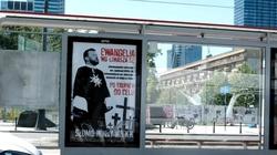 """Policja zatrzymała dziennikarza związanego z """"GW"""". Chodzi o plakaty szkalujące min. Szumowskiego - miniaturka"""