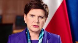 Premier Beata Szydło zlicytowała słynną... Broszkę. Pomogła choremu na raka piłkarzowi - miniaturka