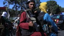Dziennikarze brutalnie pobici i wychłostani przez talibów - miniaturka