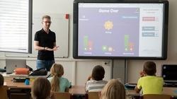 MEN: Dyrektory zdecydują jak wydać świadectwa uczniom - miniaturka